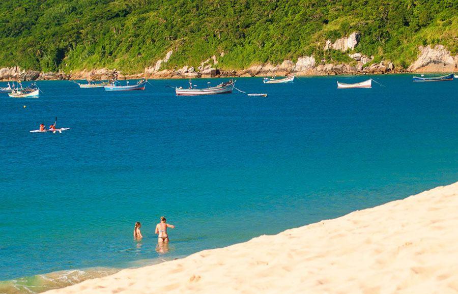 Resultado de imagem para ilhas do brasil ILHA DO CAJU